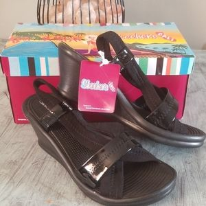 NWT Skechers Rumbleres Sandals Size 7